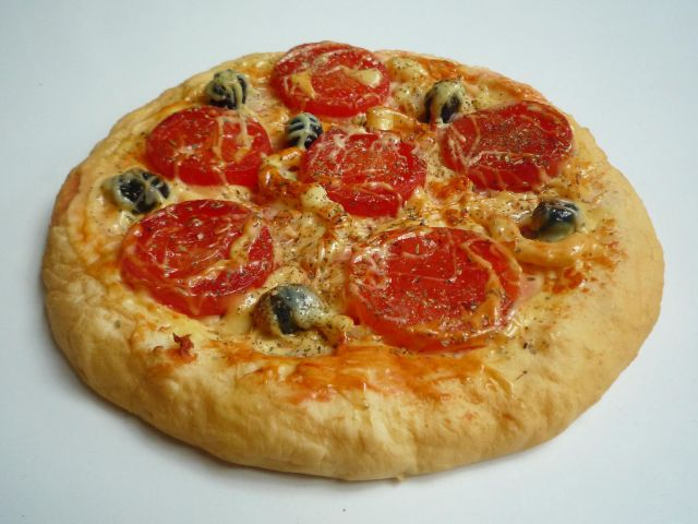sa008 Pizza (10in) Tomato & Olive