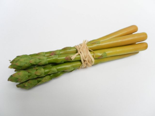 vw116 Asparagus bunch (7 spears)